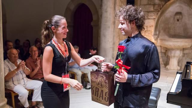Nastup mladog pijanista Aljoše Jurinića očarao publiku