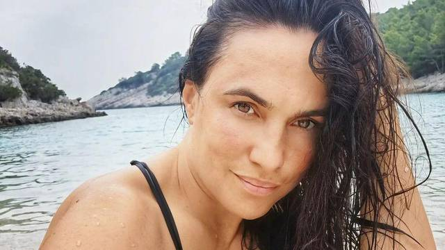 Marijana Mikulić objavila fotku u badiću: 'Razmazana maskara, bez luftića, sekirancija nula...'
