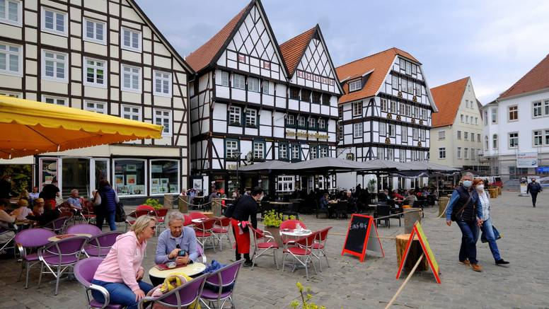 Njemačka:  Incidencija je pala ispod 100, terase se otvaraju?