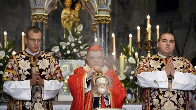 Zagreb: Nadbiskup Bozanić predvodio misno slavlje povodom spomendana bl. Alojzija Stepinca