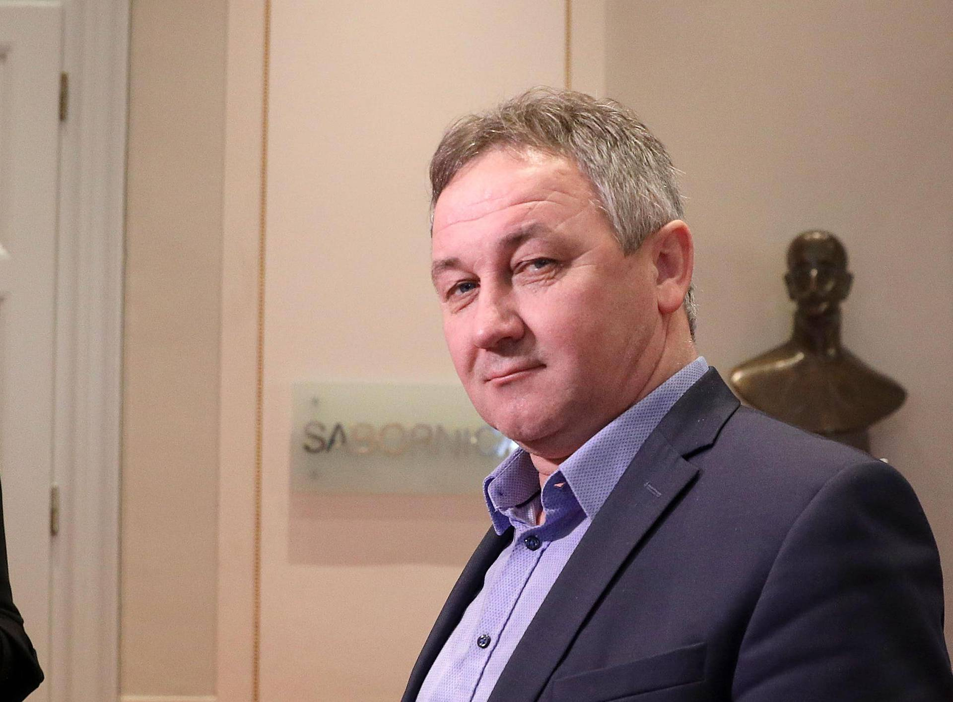 'Neću se izjasniti koji je moj stav o povlačenju amandmana'