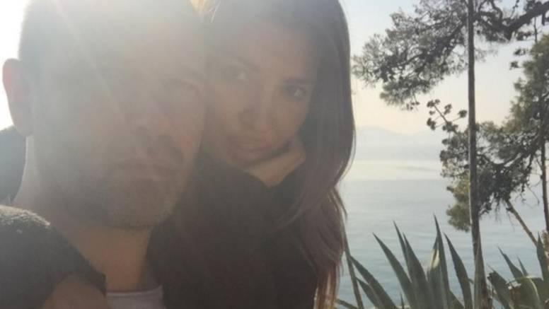 Pokazala prsten: Zaručili se  Frane Barbieri i Vanja Halilović