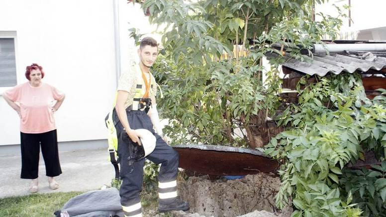 Muškarac (63) u BiH spašavao malo mače iz bunara  pa je on upao: Spasili su ih vatrogasci