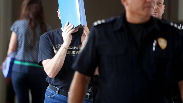 Sude ubojici:  'Djeluješ smotano za nabacivanje mladim curama'