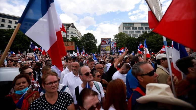 Dvjesto tisuća ljudi na ulicama protiv epidemioloških mjera