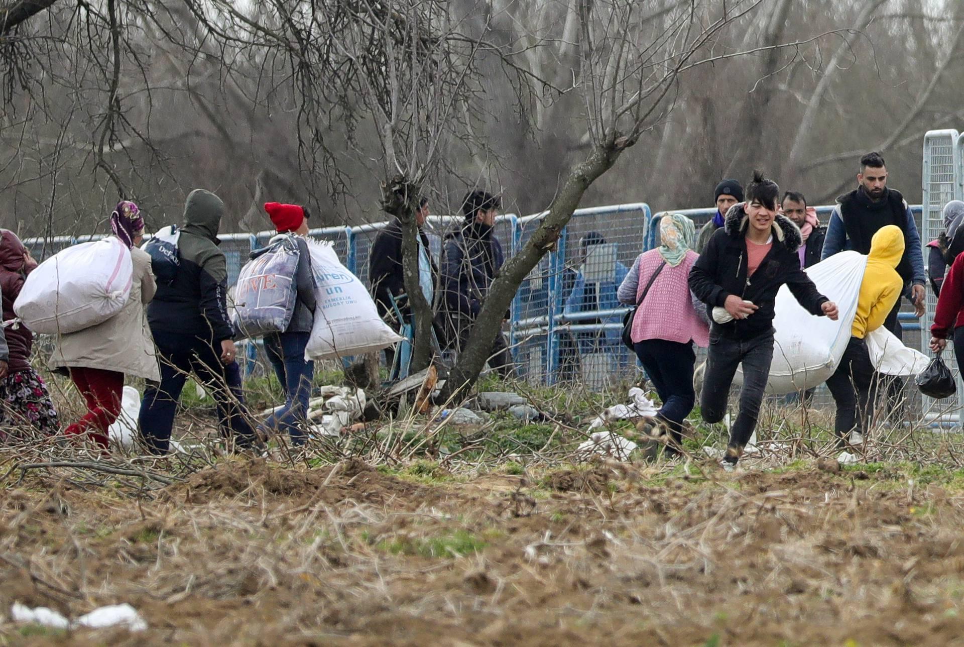 Migranti na graničnom prijelazu Pazarkule između Turske i Grčke