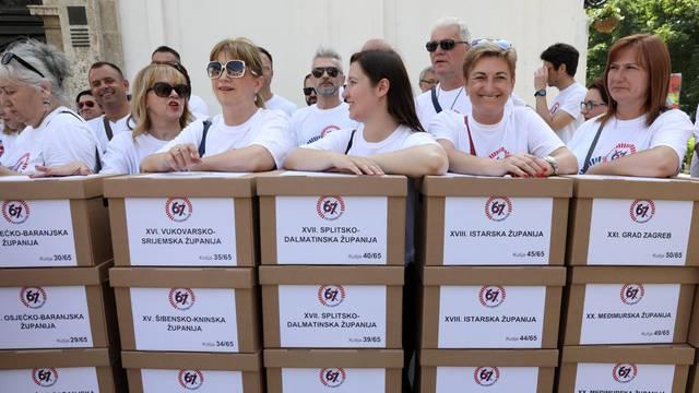 """Zagreb: Predaja sakupljenih potpisa Referendumske inicijative """"67 je previše"""" Hrvatskom saboru"""