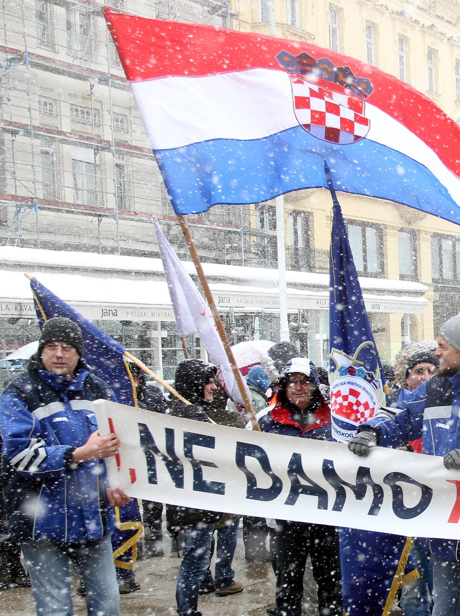 Prosvjed za Rafineriju Sisak: Pet autobusa krenulo u Zagreb