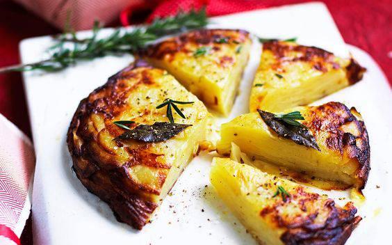 Ideja za večeru ili kao prilog uz roštilj: Slana torta od krumpira