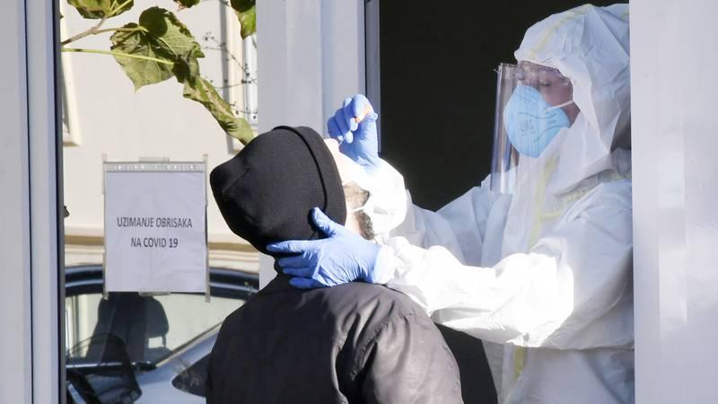 Nestaje materijala za testove na koronu: Markotić kaže da fali plastike, a drogerije reagensa...