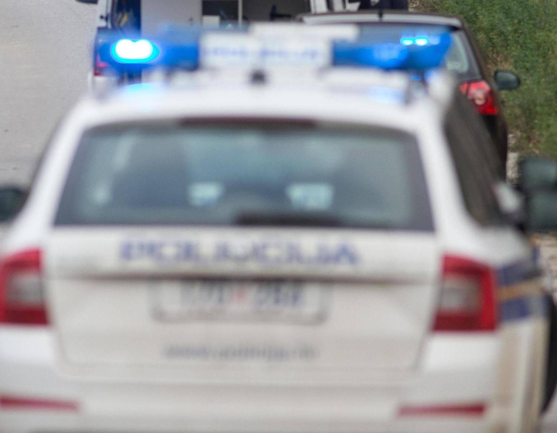 Pokušao ubiti ženu ubodom u prsa: I ranije ju je zlostavljao