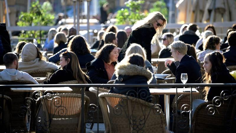 Švedska: U pet dana 1200 novih slučajeva, uvest će nove mjere?