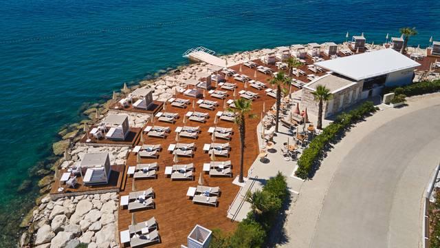 Potpuno renovirani Splitski beach club postaje oaza odmora i ljetnih radosti na Jadranu