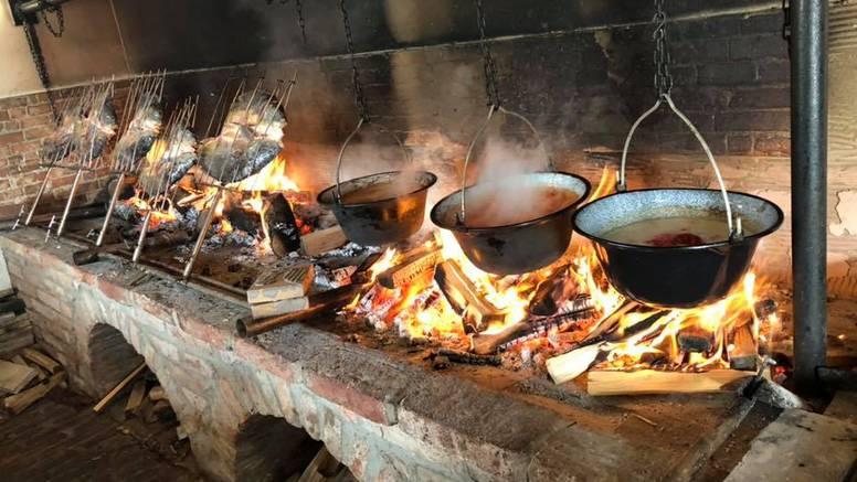 Jeste li znali da su pijetlovi testisi specijalitet u ovom baranjskom restoranu?