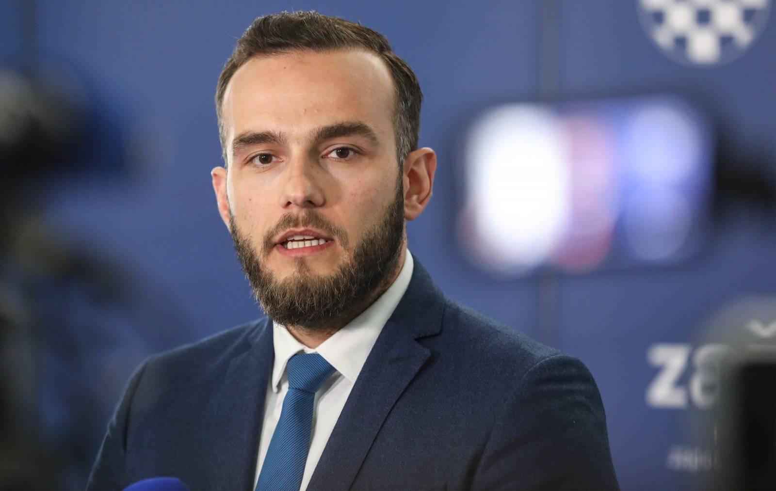 Zagreb: Ministar Aladrović uručio ugovore vrijedne 25.77 milijuna kuna