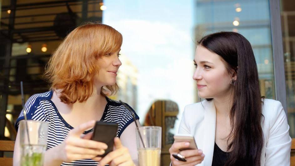 Posuditi od obitelji i prijatelja ili napraviti online pozajmicu?