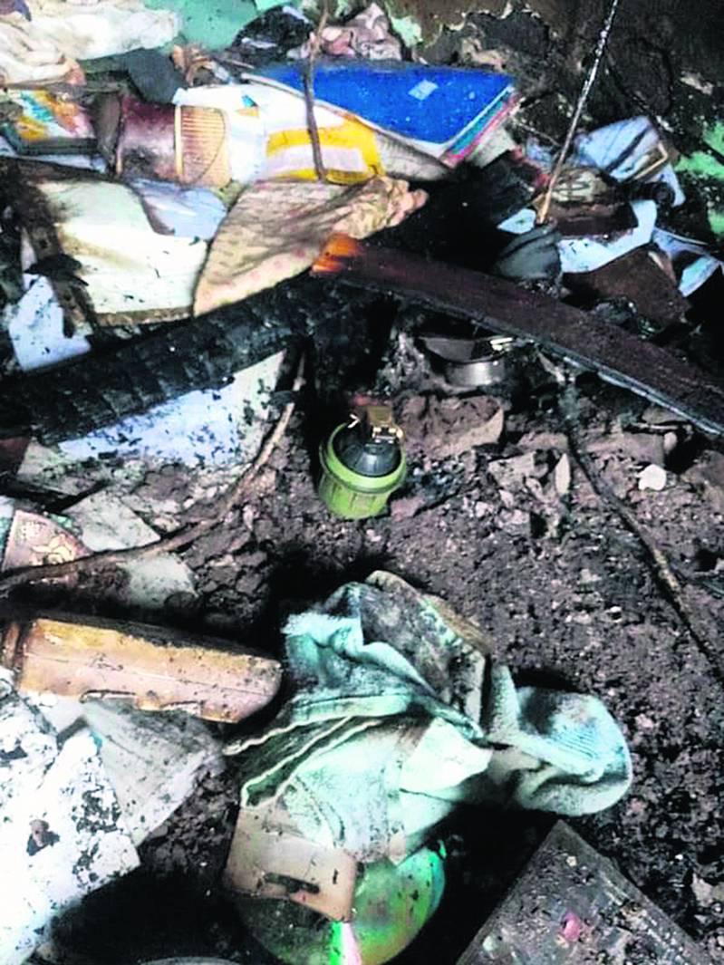 Vatrogasci ugasili požar u kući pa u njoj pronašli ručnu bombu