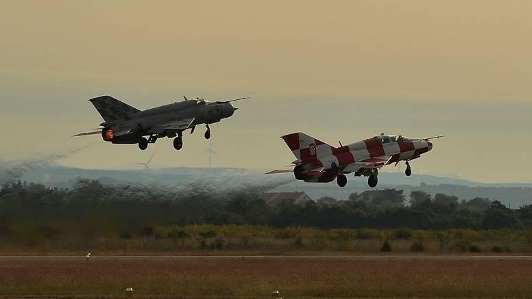 MORH izvodi letačke vježbe: Moguća probijanja zvučnog zida