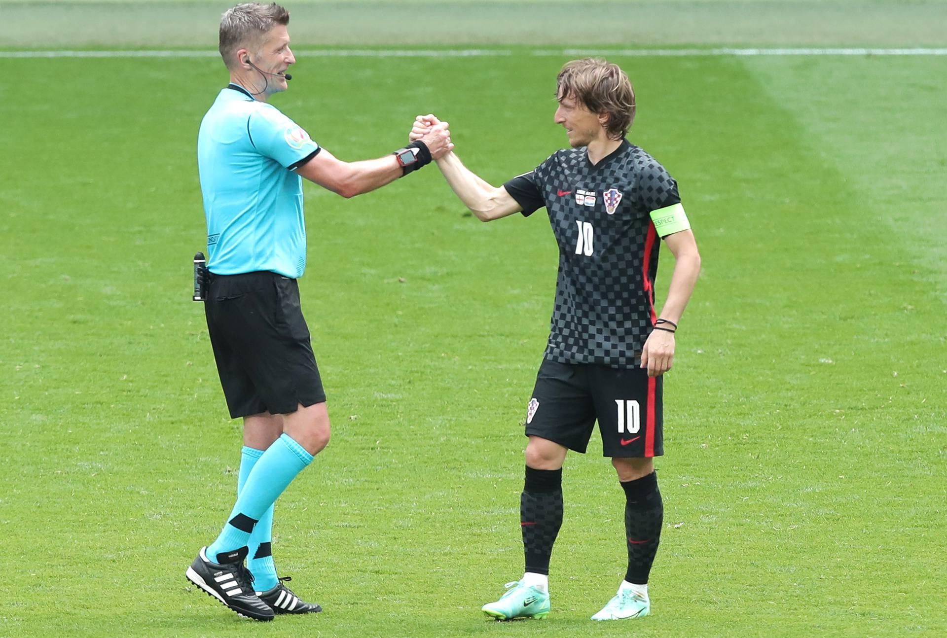 Otvaranje Eura loše završilo za Hrvatsku, izgubili utakmicu s Engleskom 1:0