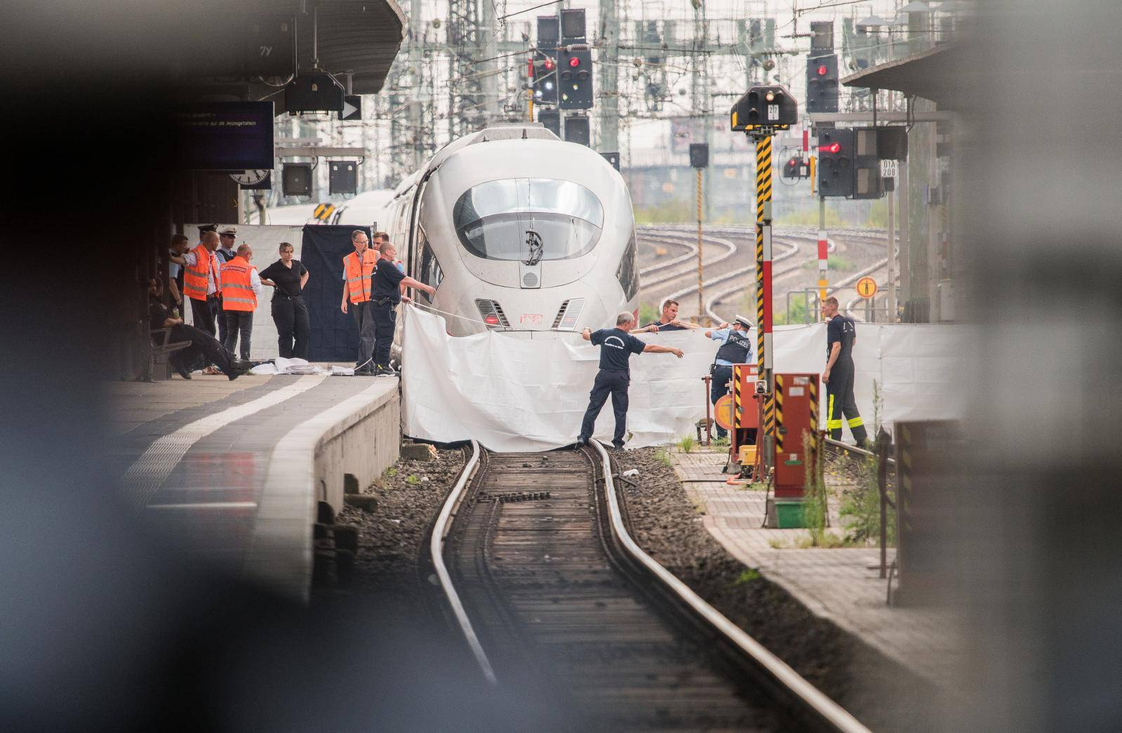 Attack in Frankfurt train station