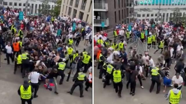 Kaos na ulazu u Wembley: Ljudi se mlatili i probijali kroz redare!