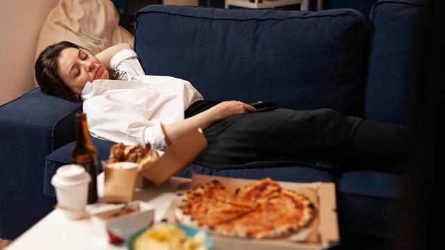 Za bolju probavu: Nakon jela je bolje prošetati nego zadrijemati