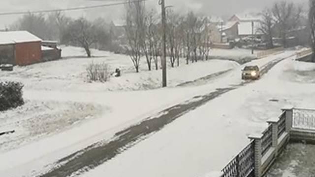 VIDEO Stigao ledeni val, pada snijeg. Do kraja tjedna i -15°C