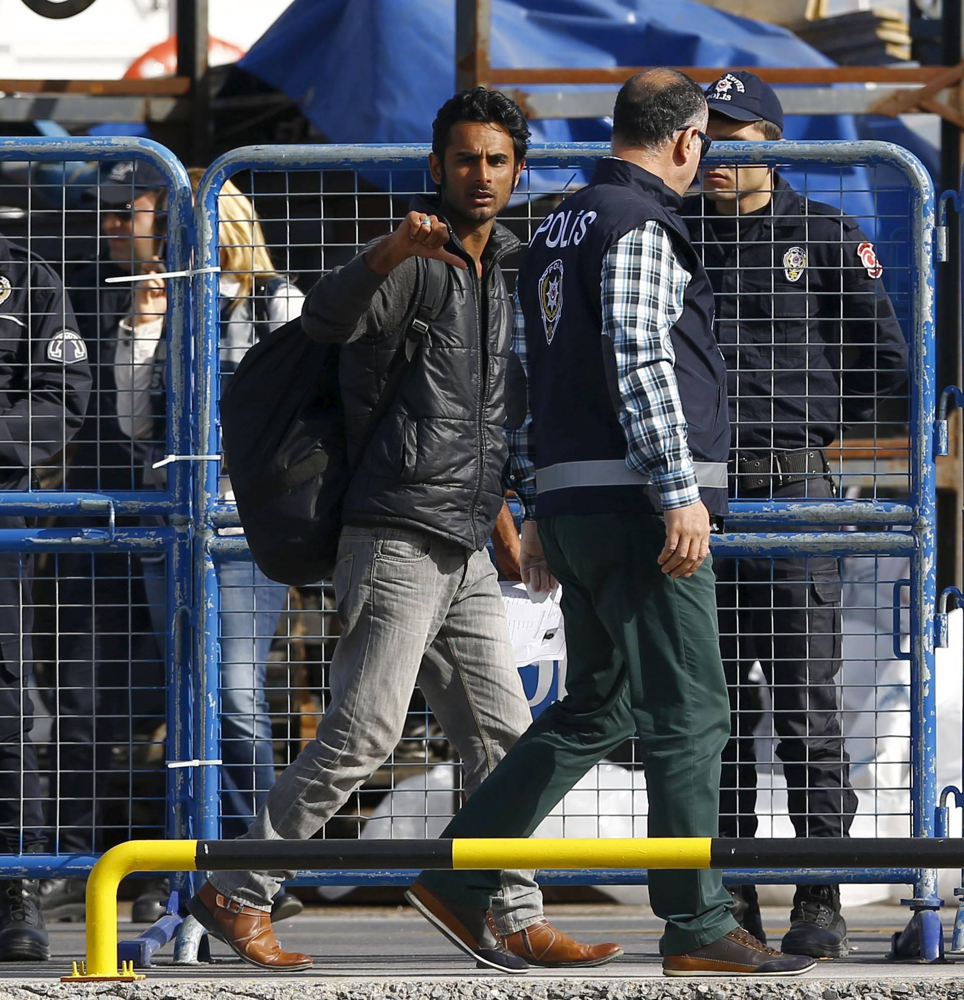 Njemačka vlada će  kontrolirati podatke s mobitela izbjeglica