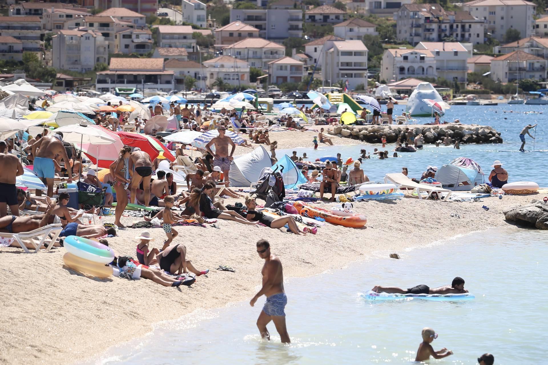 Čiovo: Plaže u Okrugu Gornjem su u podne prepune kupača