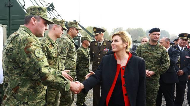 Zagreb: Predsjednica obišla vježbu vojnih pasa povodom obljetnice Tigrova