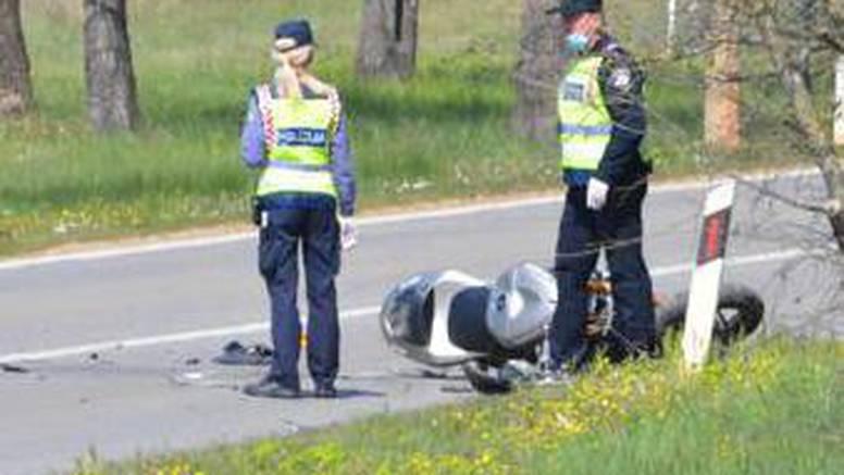 Harley Davidsonom prešao na drugu stranu i udario u prikolicu teretnjaka. Završio u bolnici...