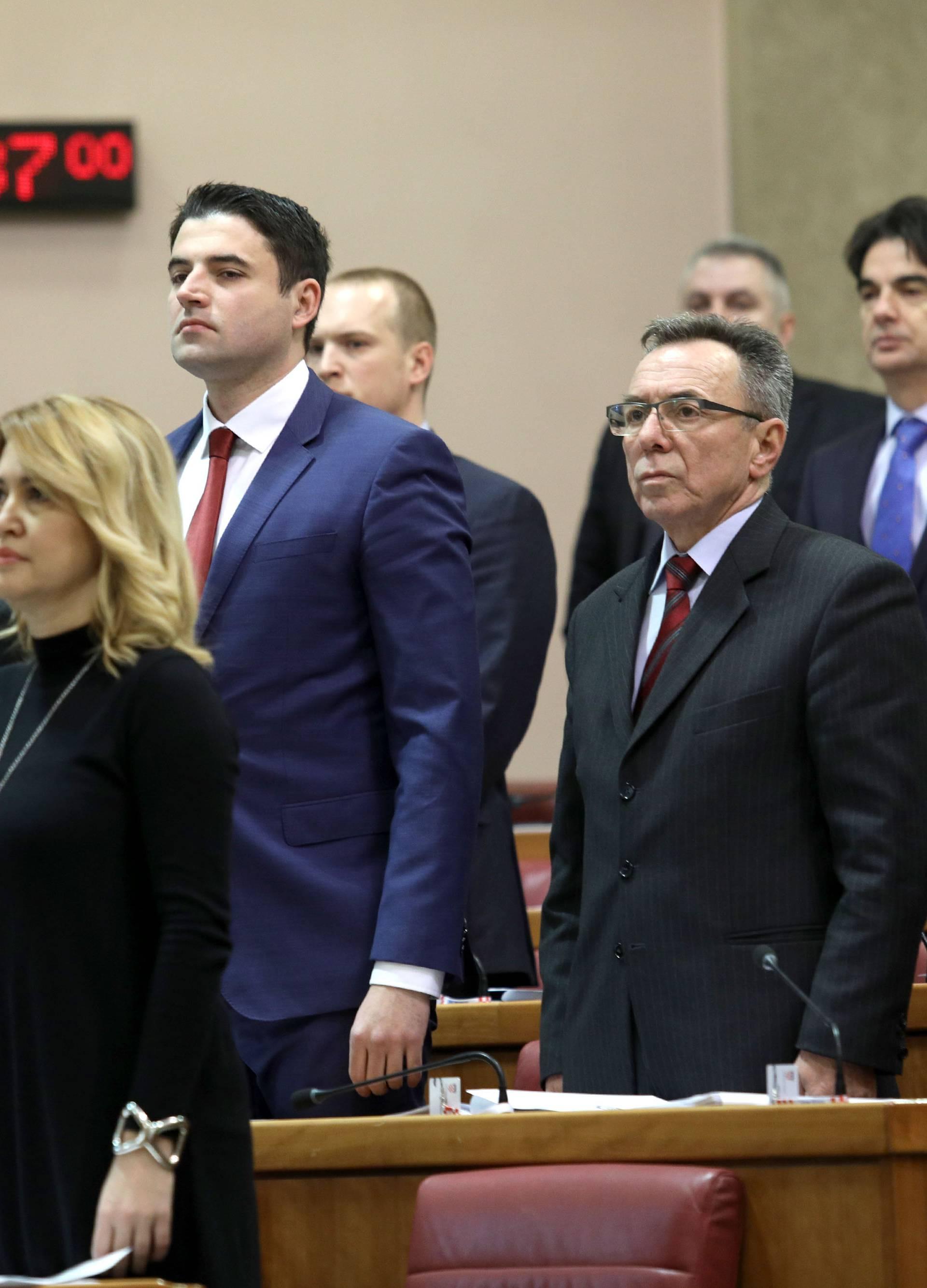 Tko više šteti SDP-u: Davor Bernardić ili njegovi kritičari?