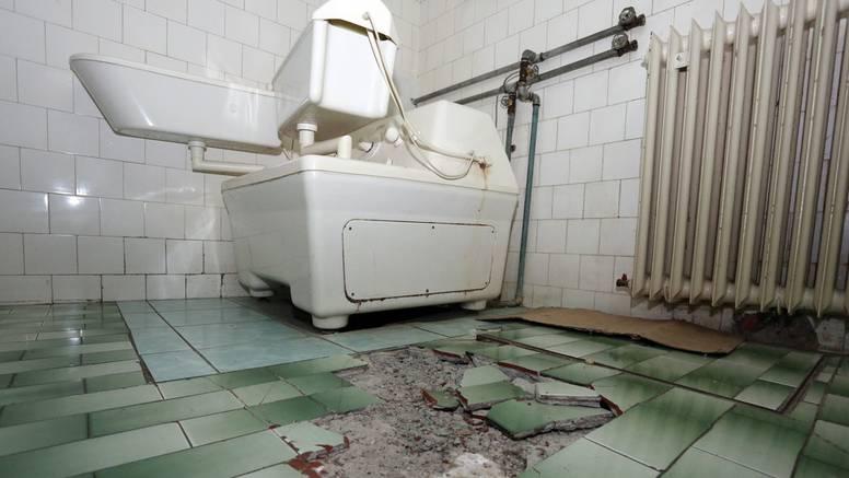 Bolnice u raspadu: Otpadaju fasade, a zidovi trule od vlage
