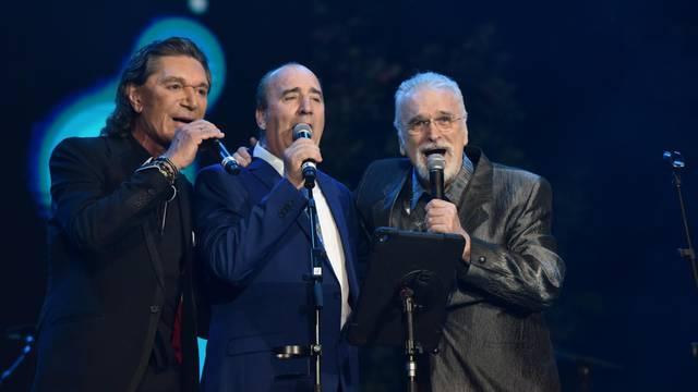 Tri mušketira, Grdovć, Stavros i  Pejaković održali koncert na Trgu Oluje u Kninu