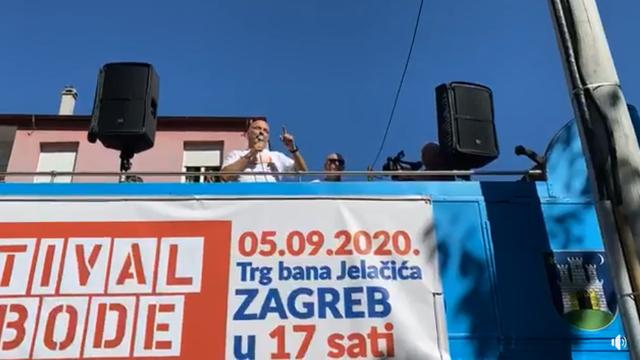 Frontmeni Festivala slobode pred domovima za starije urlaju da korona 'nije tako strašna'