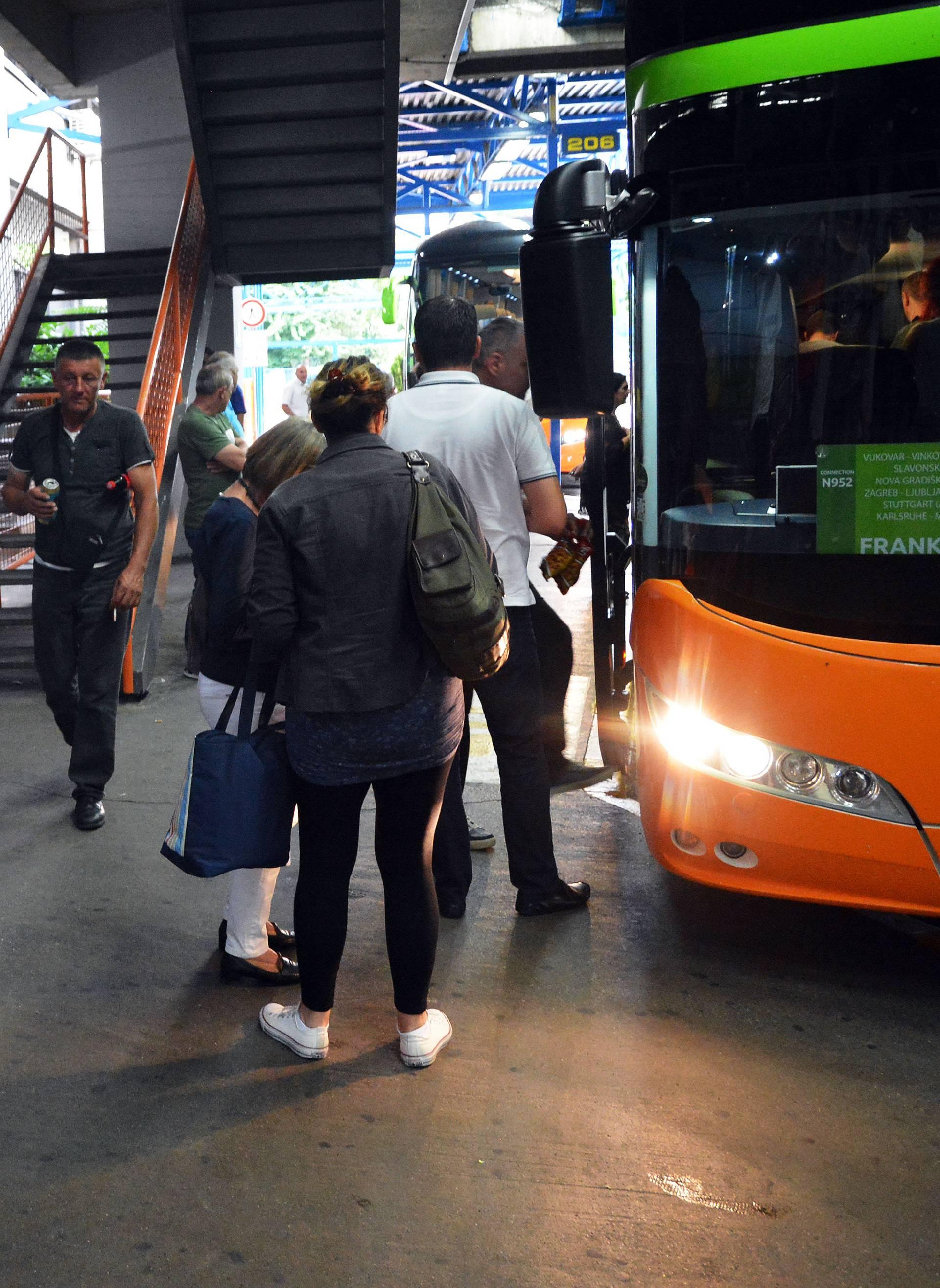 """Priče iz prepunog autobusa: """"Možda se i vratim, ali..."""""""