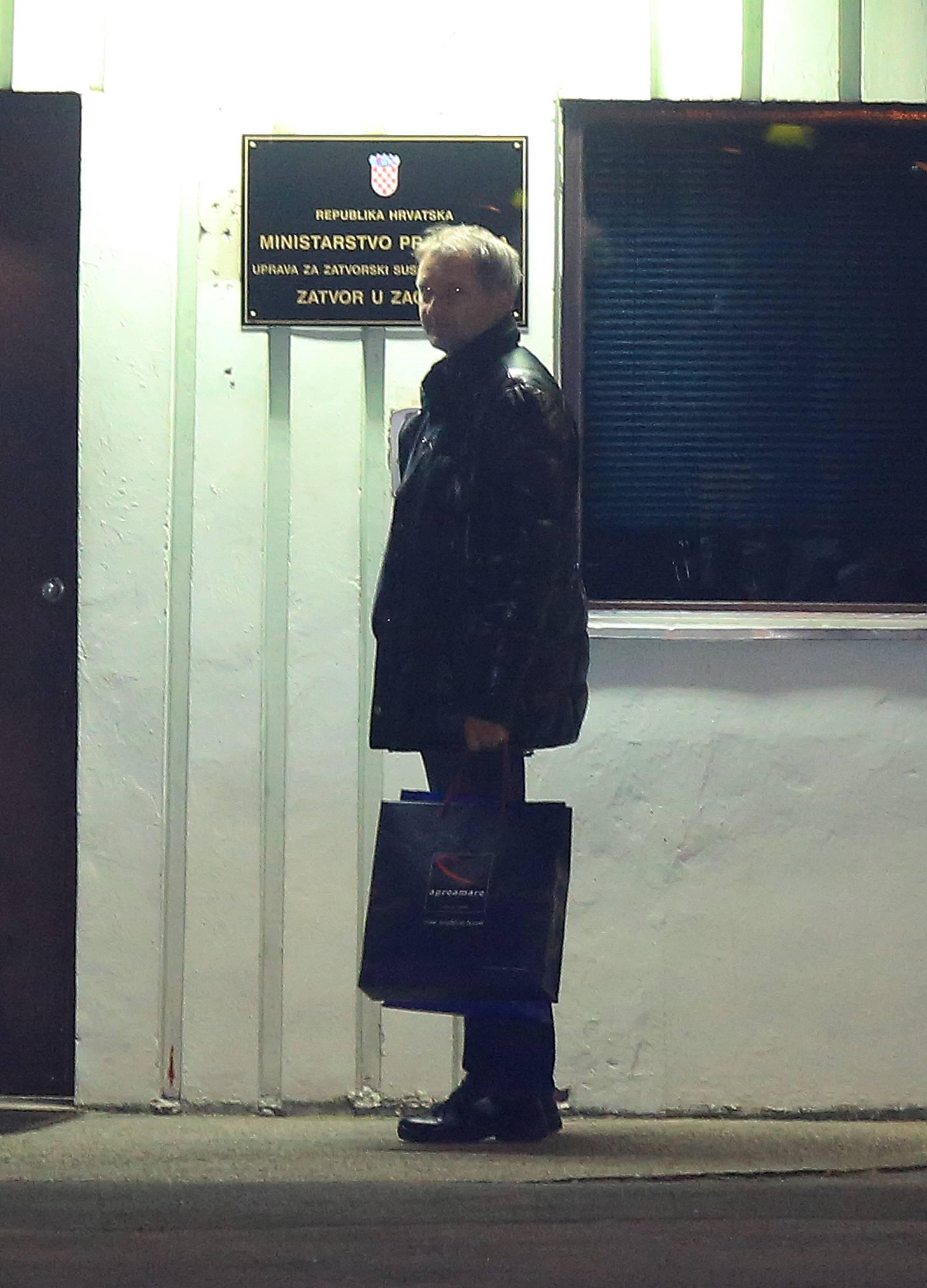 Dolački se predao nakon dva dana: Taksijem došao u zatvor
