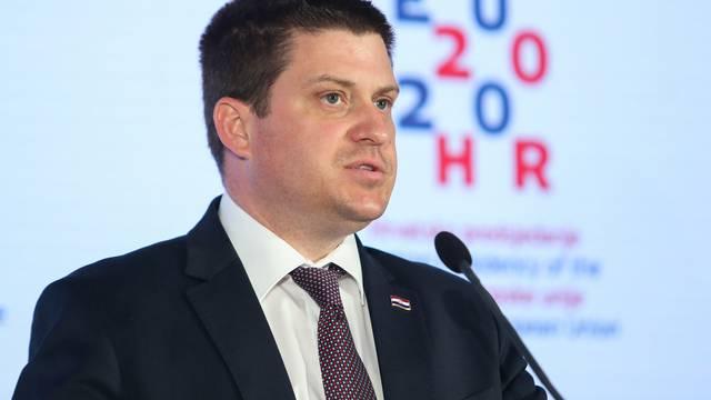 Butković: Želio bih se sučeliti sa svih 14 kandidata liste Restart