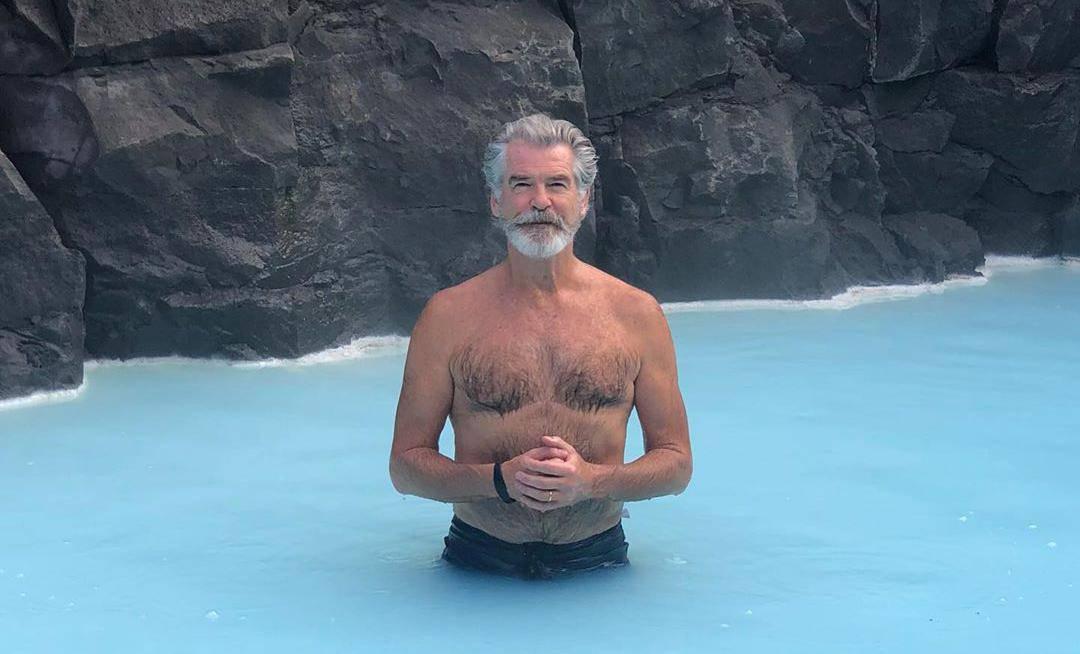 Bivši Bond rastura i u 60-ima: Brosnan zadivio obožavateljice