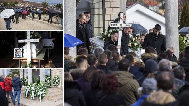 Tisuće se u Posušju oprostile od dvoje tragično preminulih: 'Mač boli rasjekao je mnoga srca...'