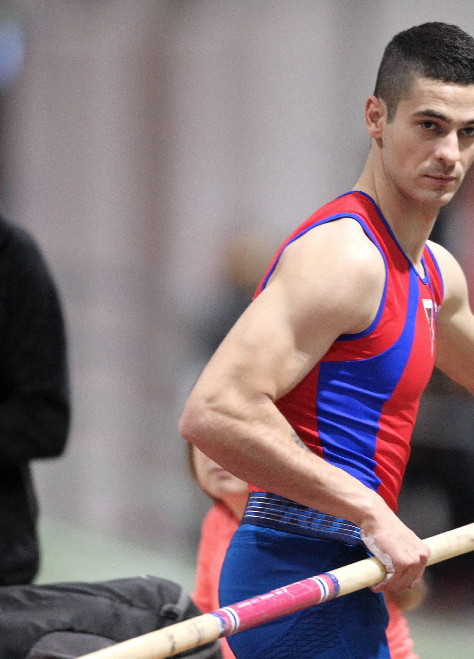 Skok s motkom: Ivan Horvat i Elija Valentić srušili rekorde