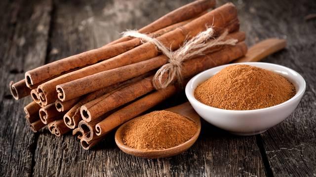 Počnite dodavati cimet u vašu prehranu: Dobar je za vašu kožu