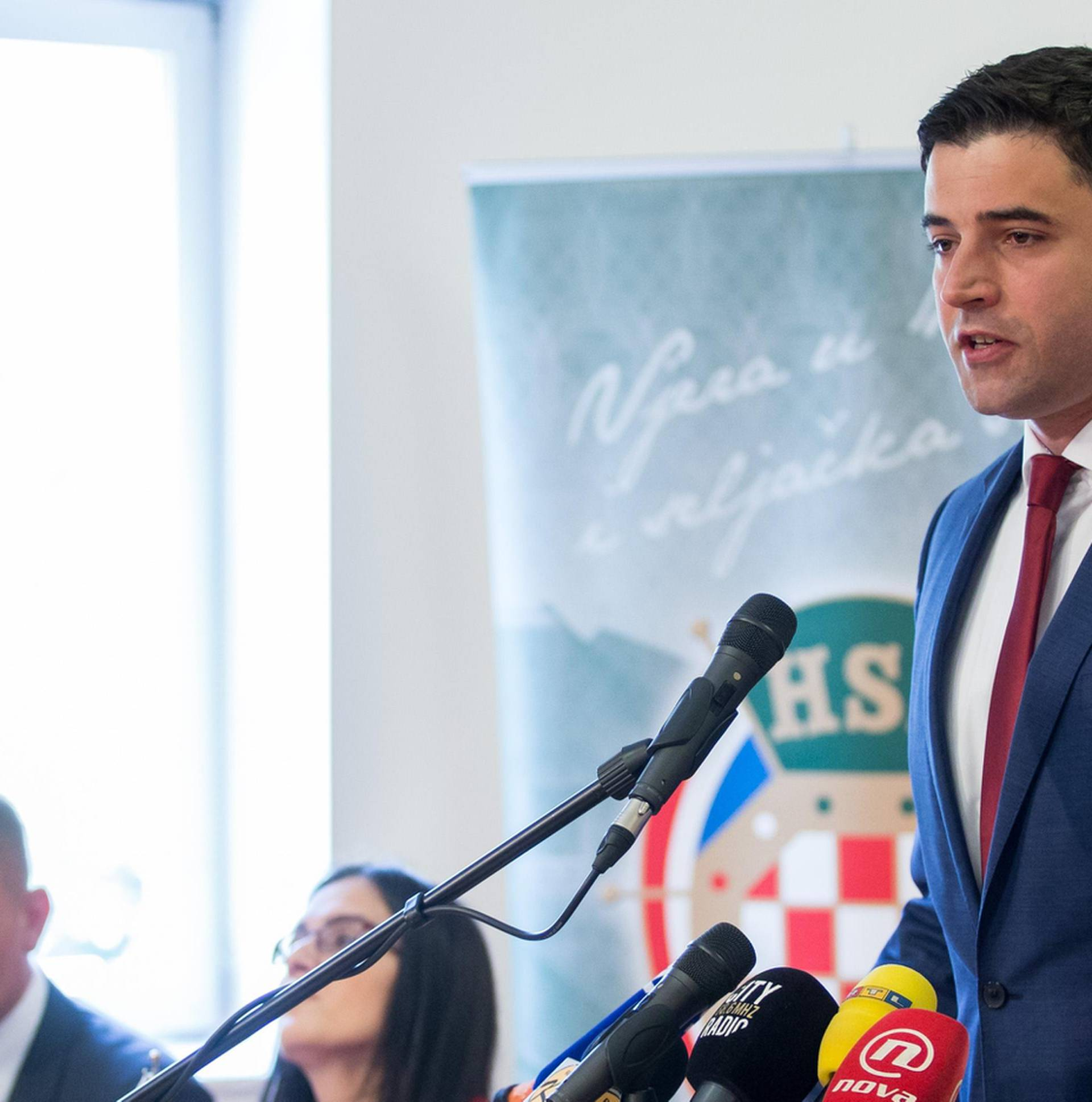 Bernardić: 'Pokrećemo opoziv Dalić, ima prste u pekmezu!'