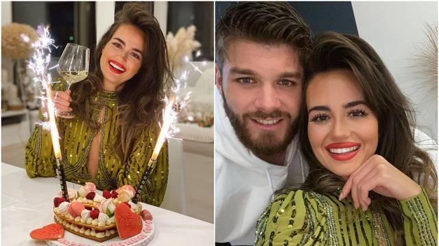 Slavlje kod Ćalete-Cara: Djevojci je priredio tortu, prskalice i vino