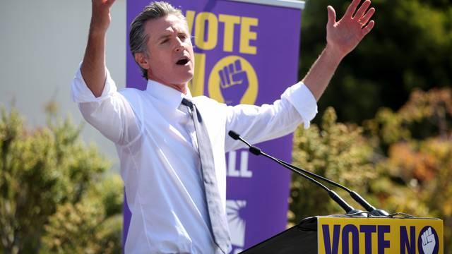 California Governor Gavin Newsom visits Oakland ahead of recall election