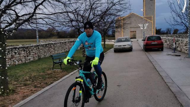 Žarko je biciklom prešao put od 750 kilometara: 'Srce mi je veće nego vukovarski Vodotoranj'