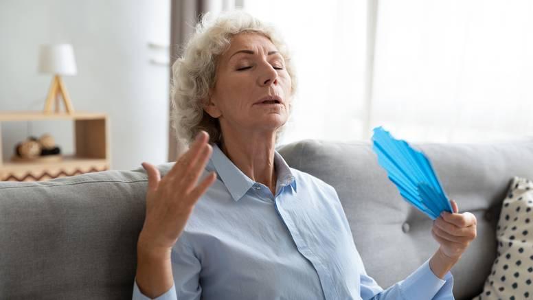 Upute po vrućinama za starije: Izađite ujutro i navečer, tlak češće kontrolirajte i pijte vode