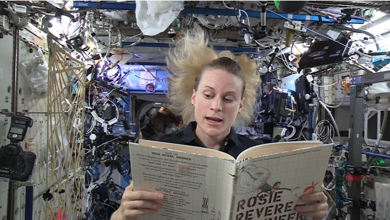 Astronauti djeci čitaju priče za laku noć sa postaje u svemiru