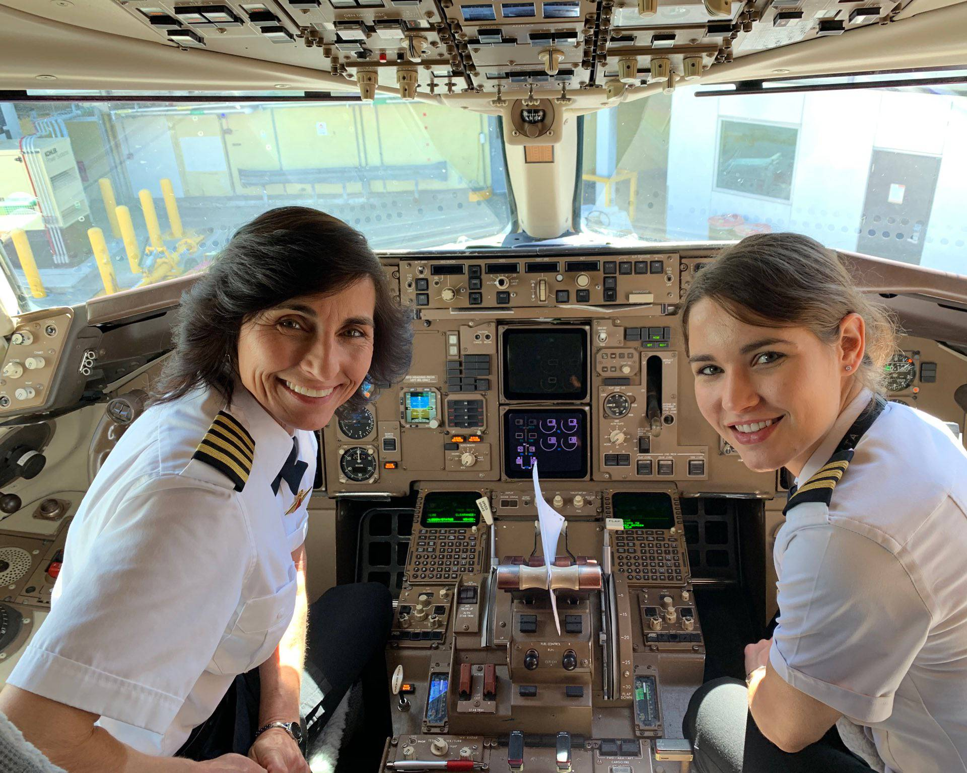 Majka i kćer dominiraju nebom: Upravljanje avionom je 'u krvi'