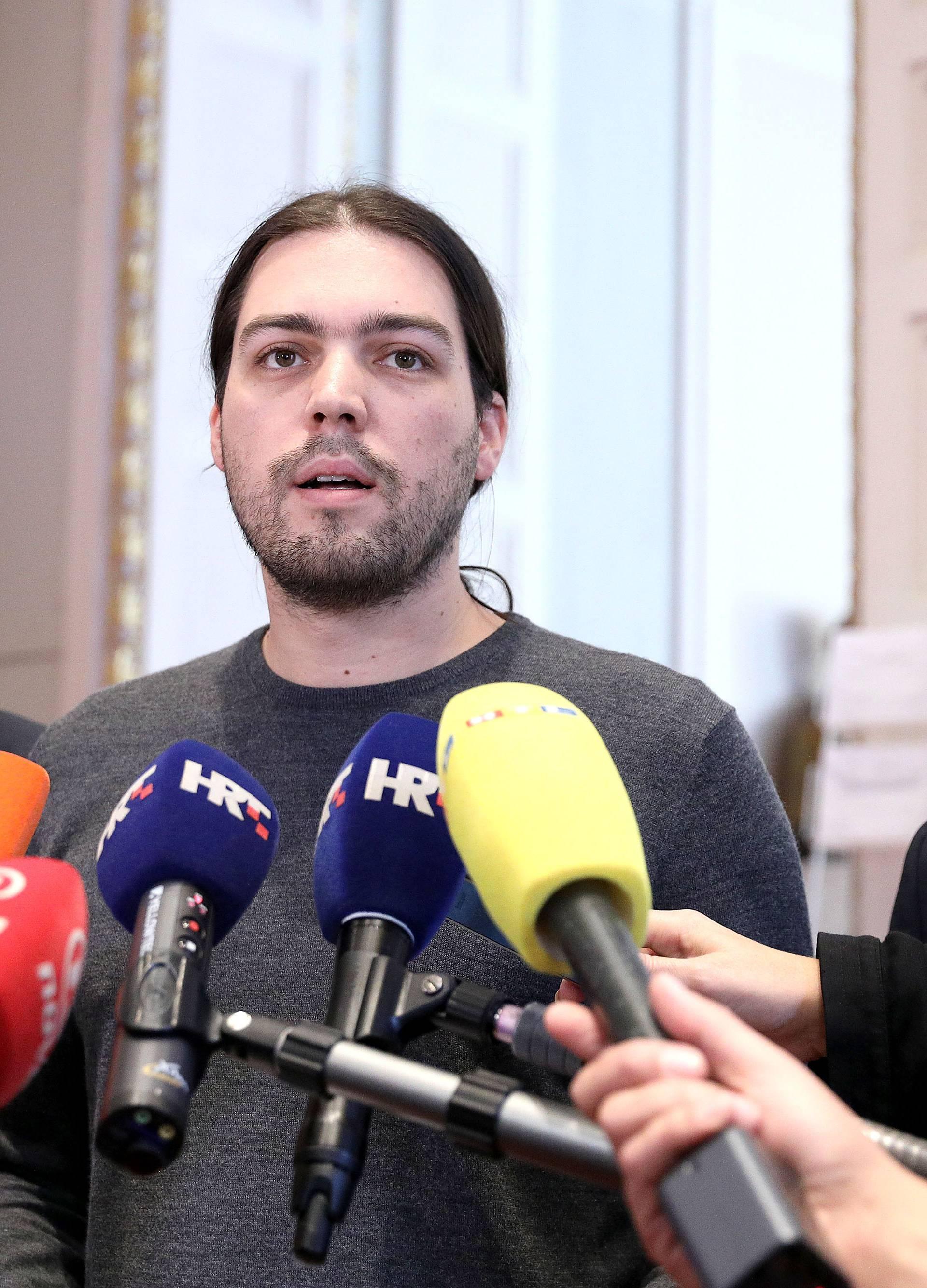 Zagreb: Živi zid podnosi kaznenu prijavu protiv premijera Plenkovića